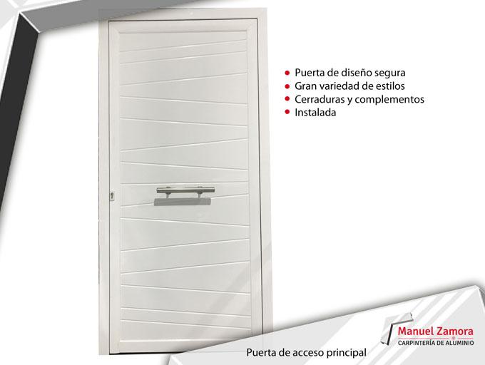 Puerta blanca acceso principal