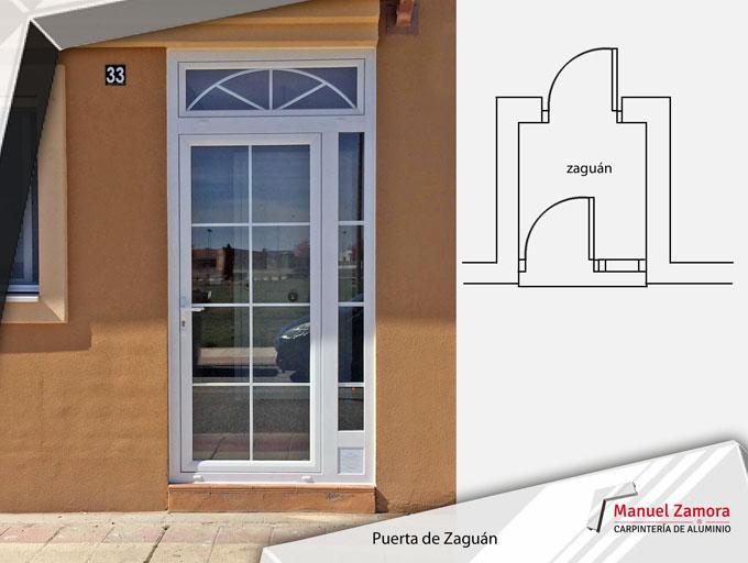 Puerta blanca con vidrio