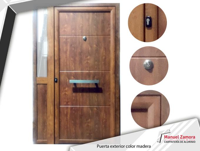 Puerta moderna color madera