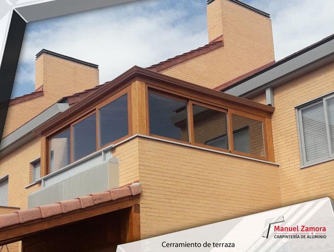 Terraza cerrada con ventanas correderas